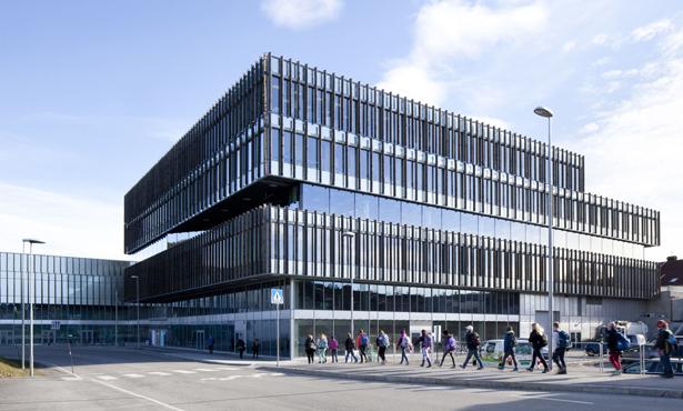 Mecanoo'nun Norveç'te tasarladığı Karma Kullanımlı Kültür Merkezi
