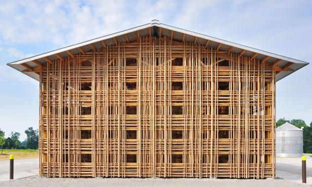 Yerel Yapım Tekniklerinin Basitliğinden Yararlanan Çiftlik Binası