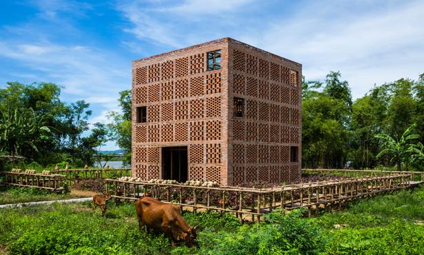 Tropikal İklimde Çömlek Stüdyosu