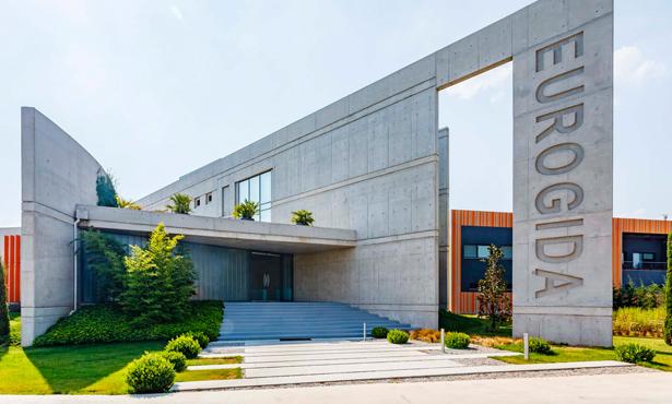 İzmir'de Fabrika İdari Binası