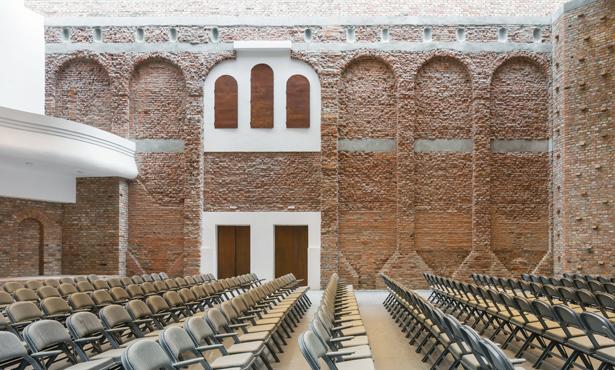 Eski Kültür Sarayından Yeni Kültür Merkezine