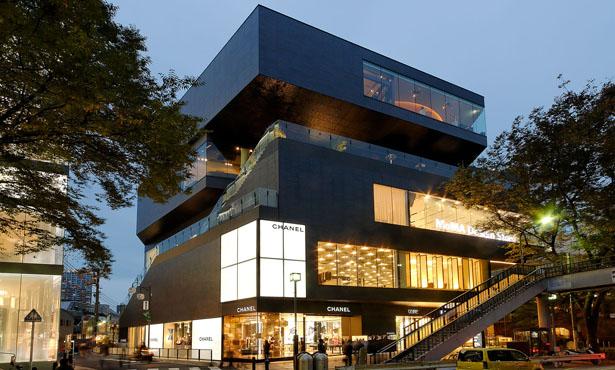 MVRDV'den Mütevazi bir Alışveriş Merkezi Tasarımı