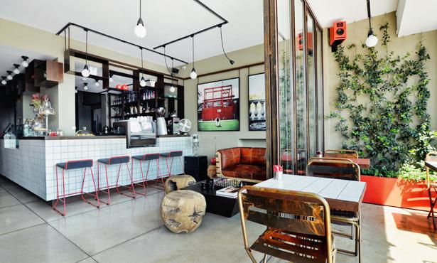 B-Design'dan Boğaza Nazır Bir Kafe