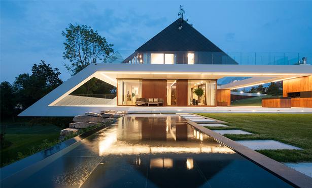 Polonya'da Geleneksel Mimarinin Çağdaş Bir Yorumu: Edge House