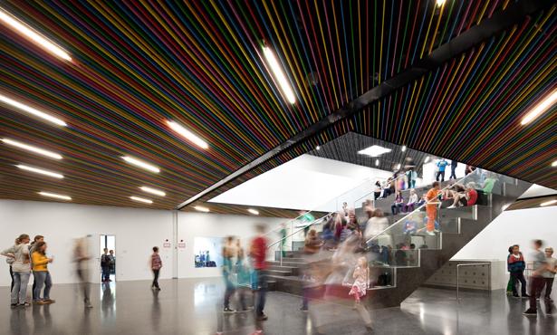 Rengarenk Bir Okul: Gainfarn Lisesi