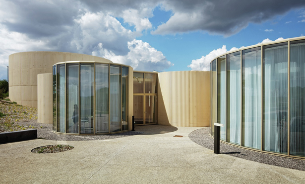 Ağırbaşlı Bir Uğurlama Mekanı: Amiens Krematoryumu