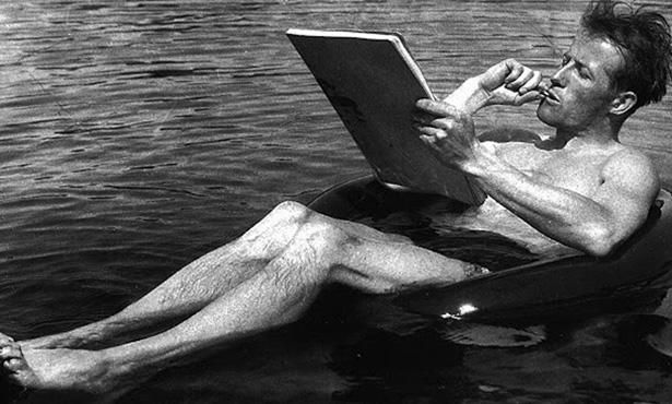 Le Corbusier Sen Çekil, Bugün Pierre Jeanneret Üfleyecek Mumları
