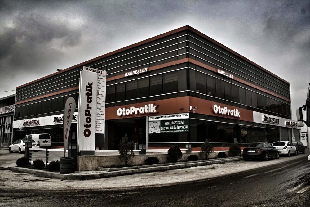 Otopratik Servis ve Satış Binası