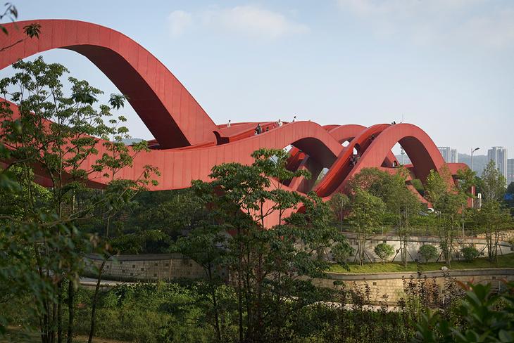 Çin Düğüm Sanatından Esinlenen Bir Yaya Köprüsü