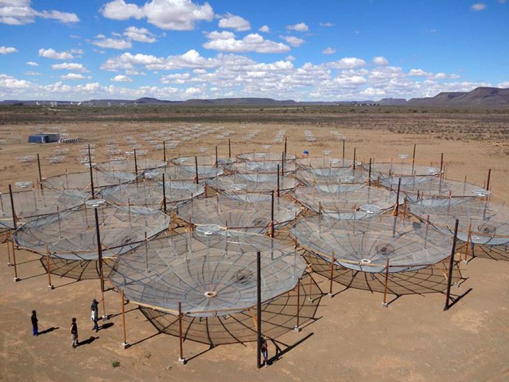 Kaynaklar Hızla Tükenirken Teleskopu Yerel Malzeme ile Üretmek
