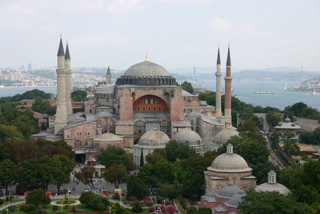 """Murat Bardakçı'dan """"En İyi 100 Mimari Eser"""" Eleştirisi"""