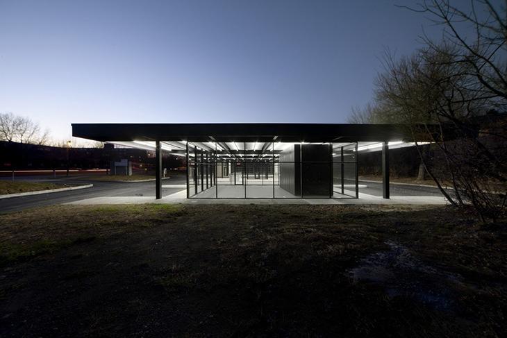 Mies van der Rohe'nin Benzin İstasyonu