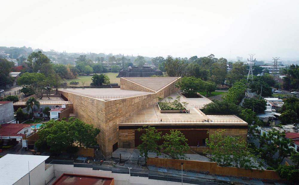 Arkeolojik Sit Alanında Bir Kültür Merkezi