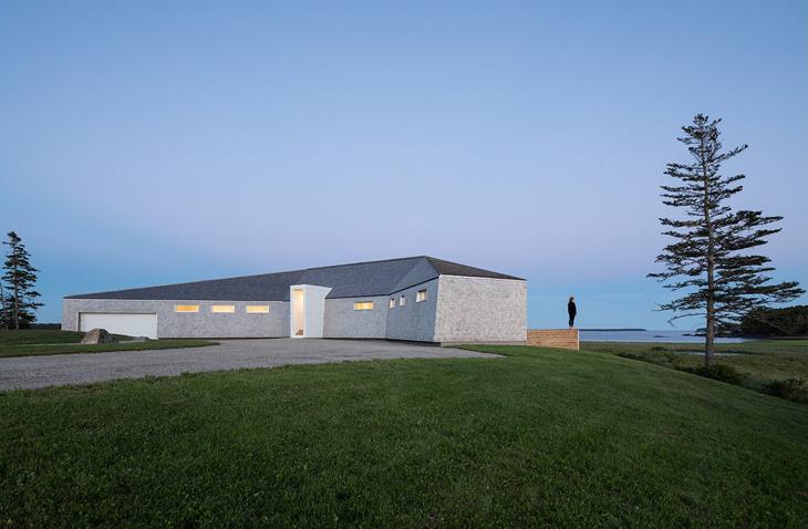 Atlantik Okyanusu'nun Kıyısında Mevsimlik Bir Ev