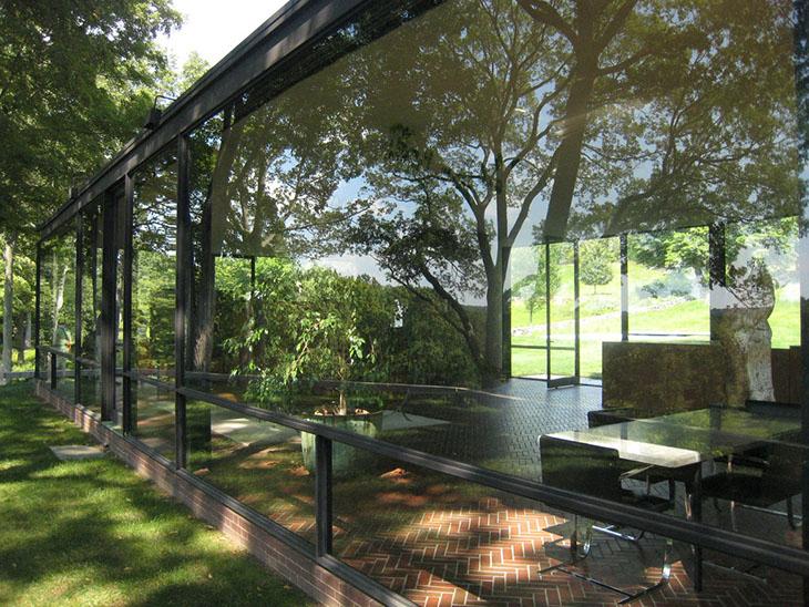 Modern Bir Mimarlık İkonu ve İlham Kaynağı: Glass House