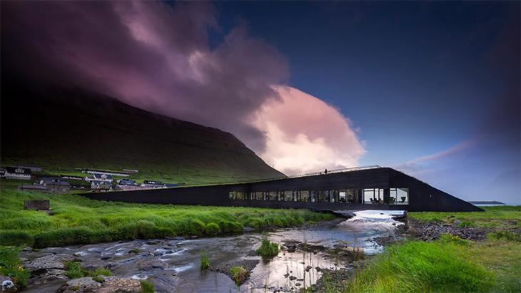 Faroe Adaları'nda Belediye Binası