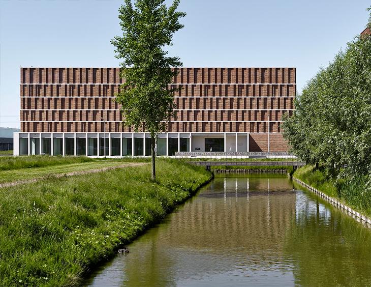Delft Şehrine Yeni Arşiv Binası