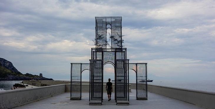 """Edoardo Tresoldi: """"Sanat dilediğimiz her hikayeyi var edebilir"""""""