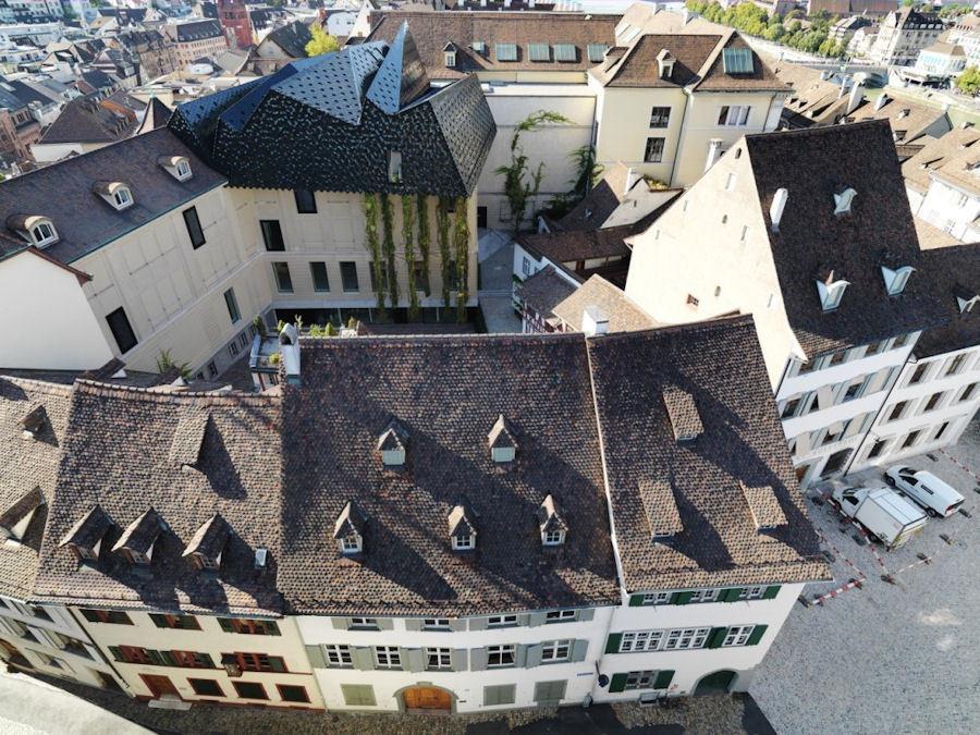 Museum der Kulturen'in Herzog & de Meuron İmzalı Havalı Çatısı
