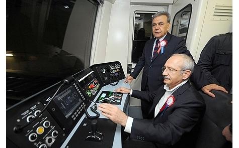 İzmir'de metro coşkusu