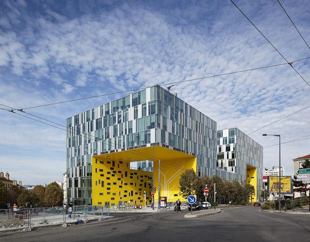 Modernizmin Başkentinde Çağdaşı Yaratmak