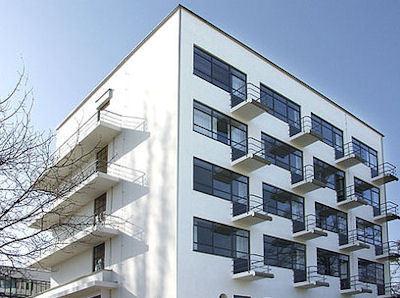 Bauhaus'ta Bir Geceye Ne Dersiniz?