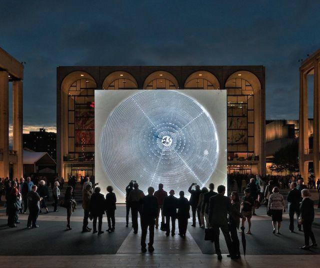 Güneş Panelleri New York'ta Enstalasyona Konu Oldu