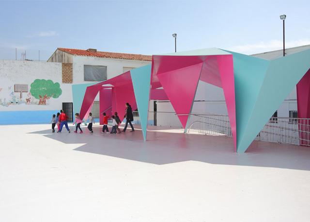 Çocukların Dünyasından Esinlenen Bir Origami Gölgelik