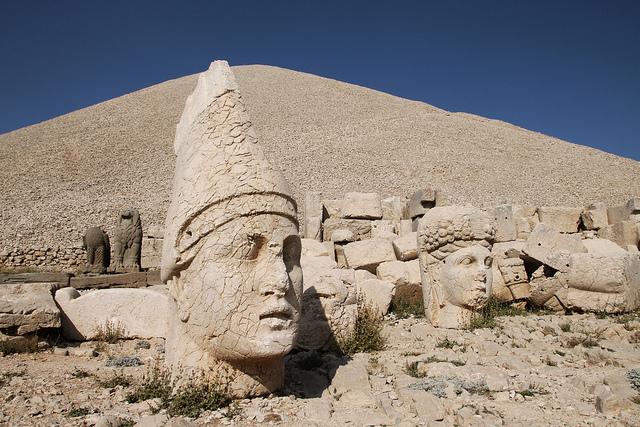 Nemrut Dağı'ndaki Heykeller İçin Koruma