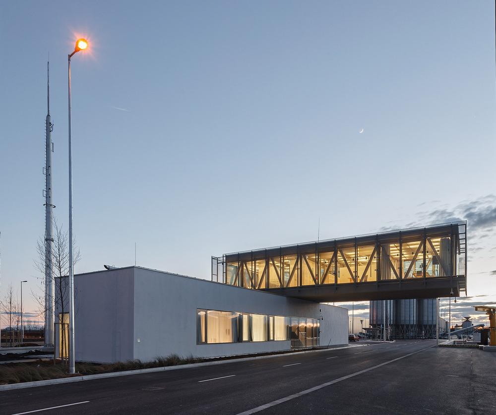 Győr-Gönyű Ulusal Liman Kontrol Binası