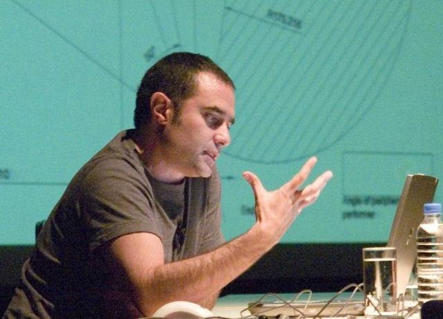 """""""Ortağım Farshid Moussavi ve benim için bir düşünce biçimi olarak 'yabancılık' önemli bir söylemdi"""""""