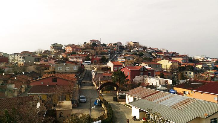 Kentsel Dönüşümün Kent Yaşamını İstilasında Bir Diğer Durak: Küçük Armutlu Mahallesi Kentsel Dönüşüm Projesinin Yağmacılığı