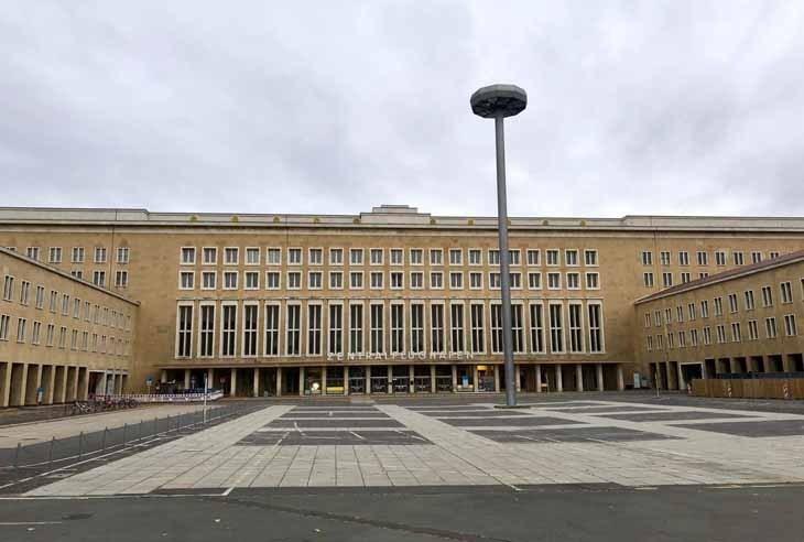 Geçmişin Hayaletlerinin Peşinde: Berlin Tempelhof Havalimanı