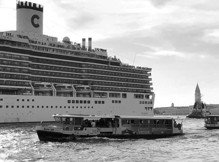 Mitlerin, Arzuların ve Hafızanın Biçimlendirdiği Venedik'in Yitik Güzargâhları