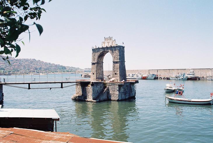 Mimar Yanko'nun Bir Kent Kuran Su Yapısı: Zonguldak Limanı