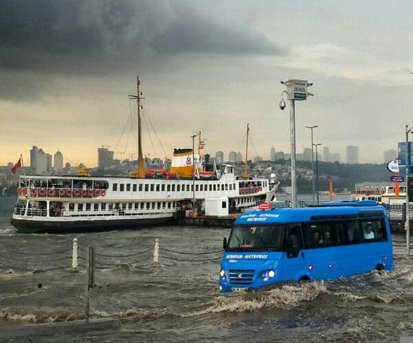 İstanbul'da Büyük Tufanı Beklerken