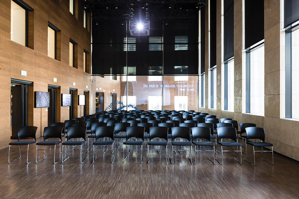 Ofisler ve Toplantı Salonlarında Yeni Nesil Koltuklar: Linq