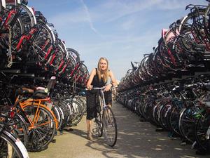 Amsterdam'ın İlk Bisiklet Başkanı Göreve Geldi