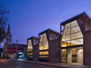 Tsunami Sonrası Halk Kütüphanesi