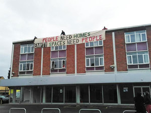 Barınma Aktivistleri Boş Binaların Barınağa Dönüştürülmesini Talep Ediyor