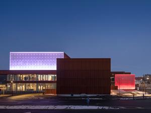 Kopenhag Dışında Yüzyılı Aşkın Bir Süre Sonra İnşa Edilen İlk Tiyatro Binası