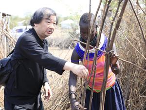 Ödüllü Mimar Shigeru Ban, Kenya'daki Binlerce Mülteci İçin Konut Tasarlayacak