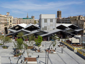 Barselona'daki La Boqueria Pazarı'na Carme Pinós Dokunuşu