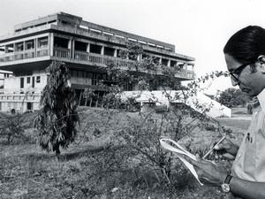 """Balkrishna Doshi """"Bu prestijli ödülü gurum Le Corbusier'ye borçluyum"""""""