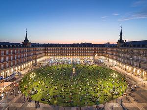 Madrid'te Kent Meydanına Sanatsal Müdahale: Grass