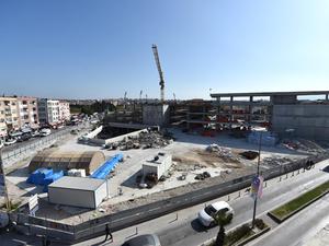 """Çanakkale'nin """"Yeşil"""" Belediye Binasının Yapımı Sürüyor"""