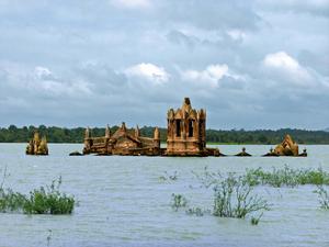 İngiltere Bienal'e Batan veya Çıkan Bir Ada Olarak Katılıyor