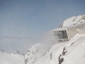 Avusturya'da Dağın Zirvesindeki James Bond Müzesi