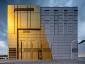 Çevresindeki Binaların Damgasını Üzerinde Taşıyan Bina Kompleksi: The Imprint