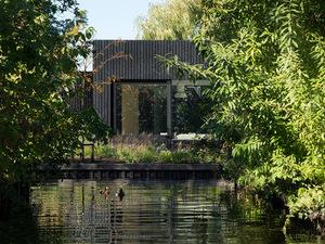 Hollanda'da Küçük Tatil Evi